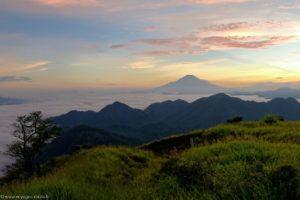 Coucher de soleil depuis Hirugatake (Tanzawa) avec Mont Fuji (Japon)