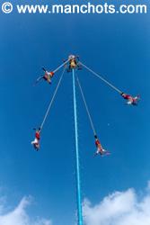 Les voladores - El Tajin (Mexique)